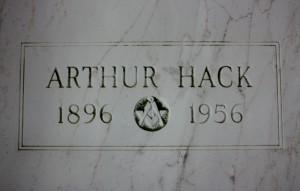 ARTHUR HACK (800x510)