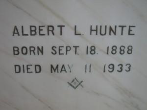 Albert L Hunte