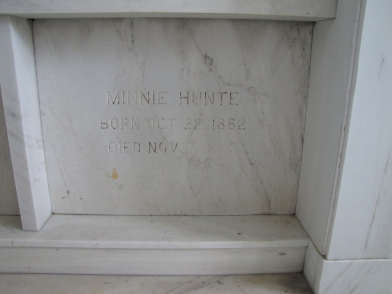 MINNIE HUNTE