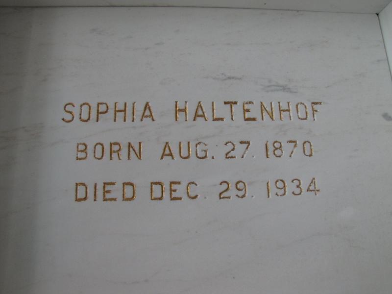 SOPHIA HALTENHOF